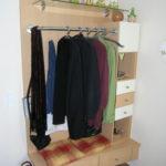 Garderobe mit Schubladen in Buche und weiß