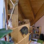 Regal unter der Dachschräge - gemütlich Wohnen