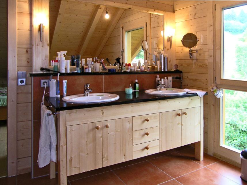 Waschtisch vom Schreiner aus Sulzbach für ein Holzhaus