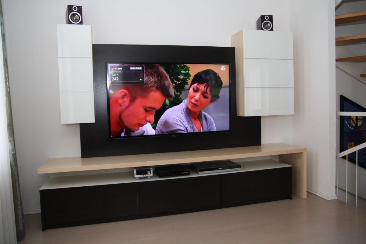 TV Unterschrank für großen Flatscreen