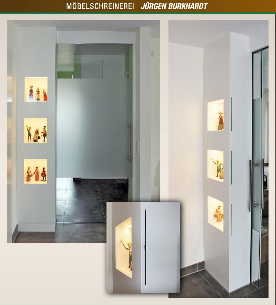Sammlervitrine kombiniert mit Glasschiebetüre
