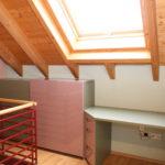 edles Büromöbel in grau/flieder aus Holz und Glas