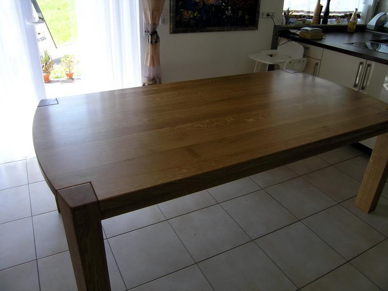 Der Klassisch Moderne Massivholztisch