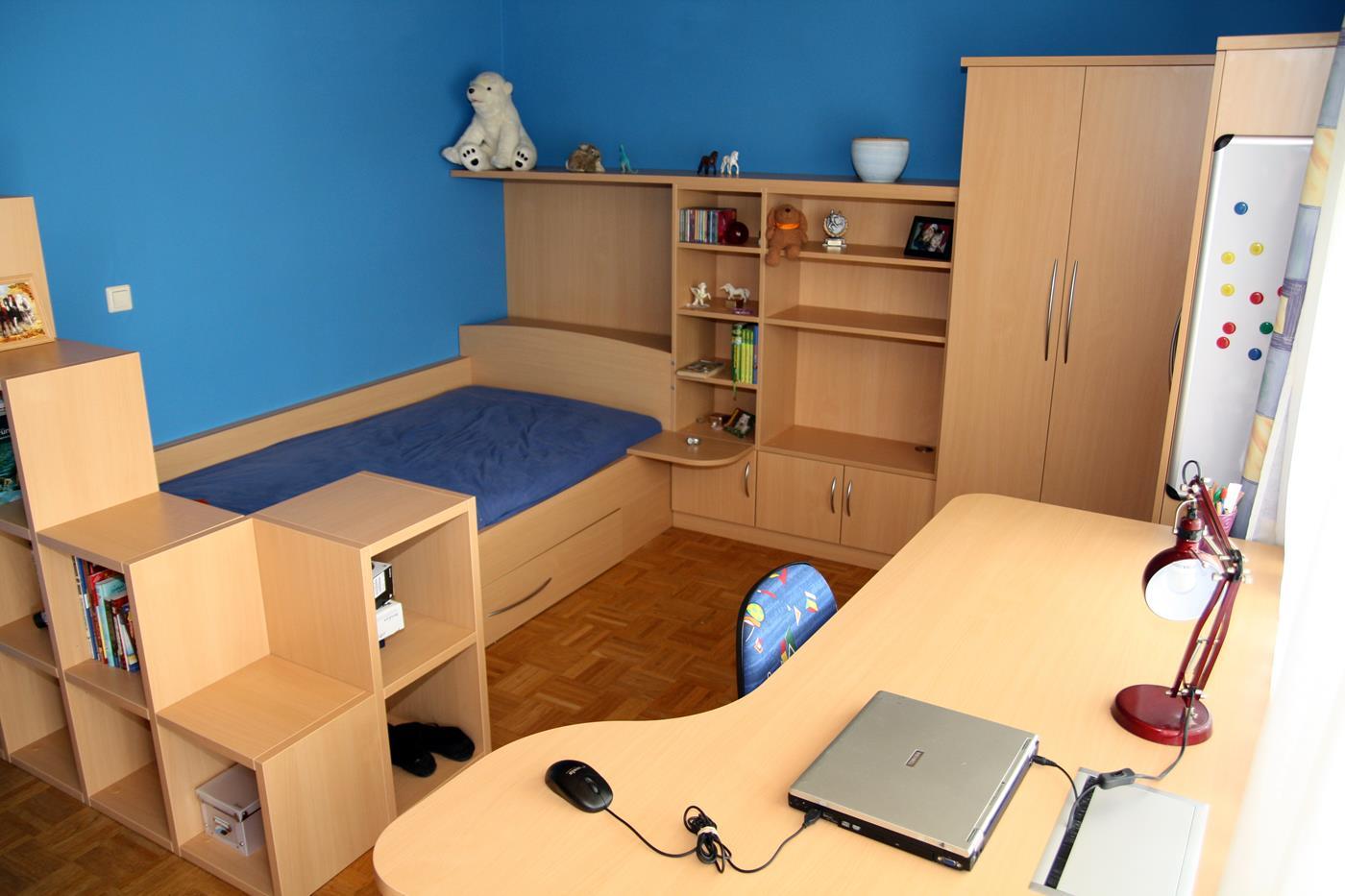komplett eingerichtetes Kinderzimmer