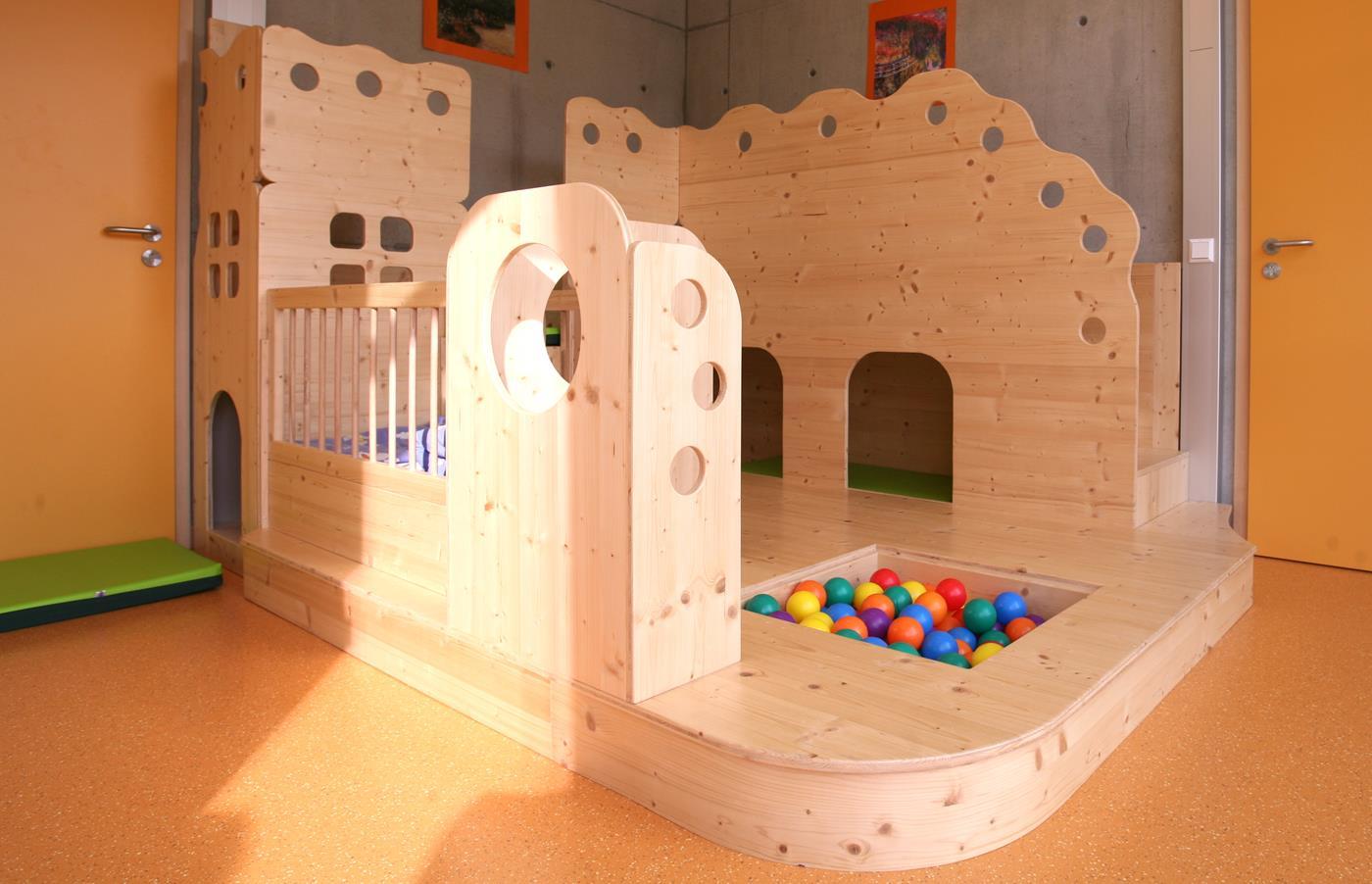 einzigartige m bel f r den kindergarten by schreinerei. Black Bedroom Furniture Sets. Home Design Ideas