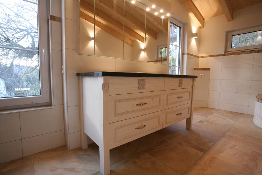 Waschbeckenunterschrank im Landhaus Stil