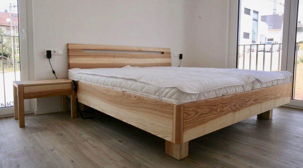 Schlafzimmer_Bett_Kernesche_geölt_Modell Basal
